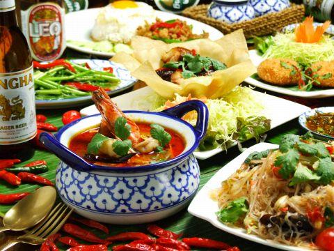 ランチは食べ放題、夜は本格タイ料理。原宿や渋谷の買い物帰りにはティーヌンへどうぞ