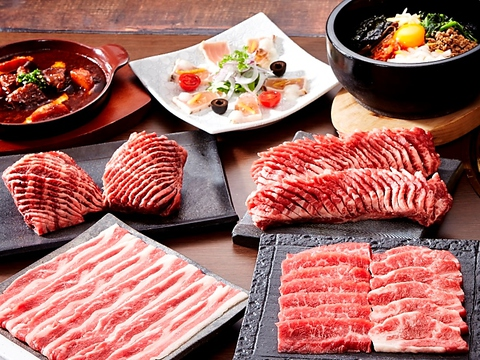 新鮮な厳選のお肉を手切りでご提供!ゆったり楽しめるテーブルオーダー式バイキング