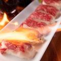 料理メニュー写真肉寿司(1皿6貫)