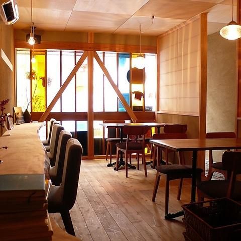 岡本駅から徒歩5分。なにげないいしころの様にほっと和める空間が魅力の創作カフェ★