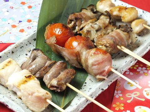 名物水炊きをはじめ、自慢の串など究極の『鶏』を堪能する名店!