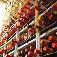 イタリアの北から南までソムリエが選んだワインがグラス7種類、ボトル約100種ご用意。普段のお食事のお供としてカジュアルに楽しめるリーズナブルなワインはもちろん、誕生日・記念日といった特別な日に飲みたい本格派まで多数。お好みやご予算等お申し付け頂ければご案内させて頂きます。お気軽にどうぞ♪