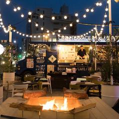 【ガーデンテラス席(屋外)】。夜は雰囲気が一変!晴れた日は夜空を見ながらのお食事もおススメ★最大宴会は立食で126名様までご利用いただけます。