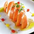 料理メニュー写真トマトとモッツァレラチーズ(カプレーゼ)