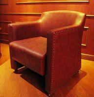 革張りのソファー