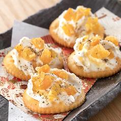 料理メニュー写真安納芋甘納豆とクリームチーズ