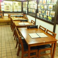 ご家族やグループでご利用いただけるテーブル席もございます!