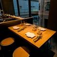 落ち着いた雰囲気で心地よい1日1組限定のテーブル席は、3~4名様までご利用いただけます。女子会や会社宴会に!