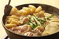 料理メニュー写真【名物!】たくじゅの鶏鍋 (生つくね付き)
