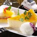 料理メニュー写真Seedのチーズケーキ(ジェラートフルーツ添え)