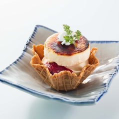 料理メニュー写真■カラメリゼチーズタルト