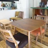 【2階】2名用のテーブル席です♪♪