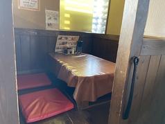 4名様迄ご利用いただけるテーブル★落ち着いた雰囲気でお食事をお楽しみ頂けます
