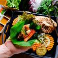本格サムギョプサルをサンチュ、エゴマなどのたっぷり野菜に包み込んで食べ放題!