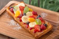 料理メニュー写真フルーツ・ブルーベリーチーズフレンチトースト