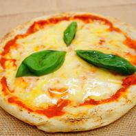 窯で焼き上げた本格ピザ!種類はなんと9種類!