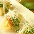 料理メニュー写真海老とアボカドの揚げ春巻