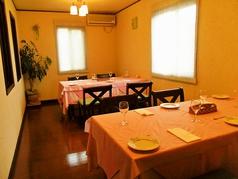テーブル個室(1部屋に4名用テーブル×2)