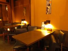 4名様用のお席は3卓ご用意しております。