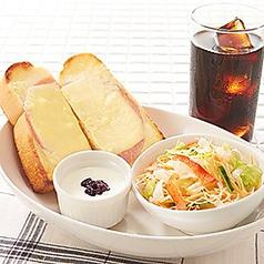 料理メニュー写真ハムチーズトーストセット