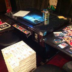 テーブル席その2 ゲーム台と万札チェアでした!
