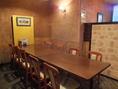 8~12名様まで収容可能のテーブル席。仕切られているので個室感覚でご利用頂けます。