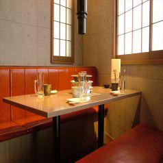 入口側テーブル席