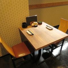 2名様のテーブル席もご用意♪周りが気にならない席配置のため、お隣を気にせずお食事いただけます!