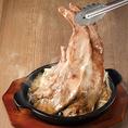 旬の食材をふんだんに使用したアラカルトが目白押し!ボリューム満点のお肉料理や新鮮な鮮魚、甘いデザートなど思わず頼みたくなってしまうような土間土間オリジナル料理を多数ご用意しております♪