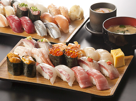 職人が握る約60種類の高級寿司が食べ放題。1月、2月限定のお得なクーポンも御用意。