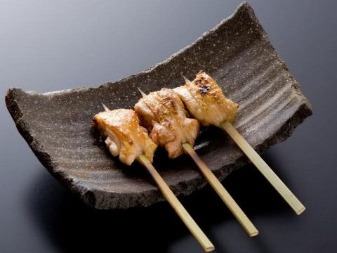 祇園の中心、花見小路で鶏料理が楽しめる。日本各地の地鶏の食べ比べが出来ます!