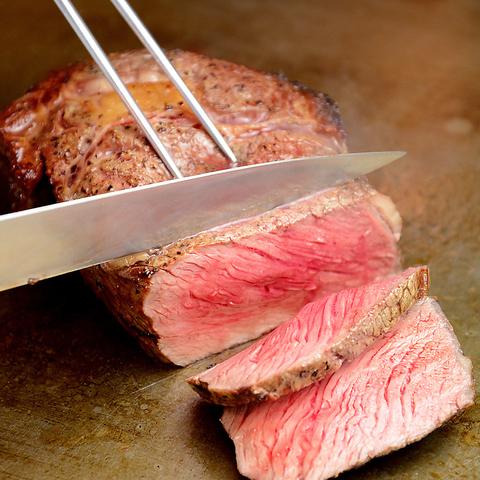 厳選した国産黒毛和牛/豪州産/米国産をとりそろえたステーキとハンバーグのお店です。