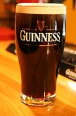 【Guinness(ギネス)】美味しく飲んで頂く為には、サージング(泡の対流)が落ち着いてから味わってください