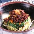 料理メニュー写真ミ・アヤム ◆屋台で定番の鶏肉ジャージャー麺