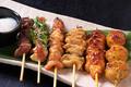 料理メニュー写真三河鶏の串焼き六種盛り合わせ