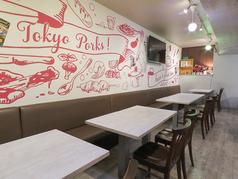洋風酒場TokyoPorksの雰囲気1