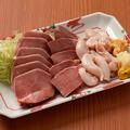 料理メニュー写真肉刺し盛り合わせ