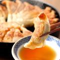 料理メニュー写真名物!鉄鍋餃子