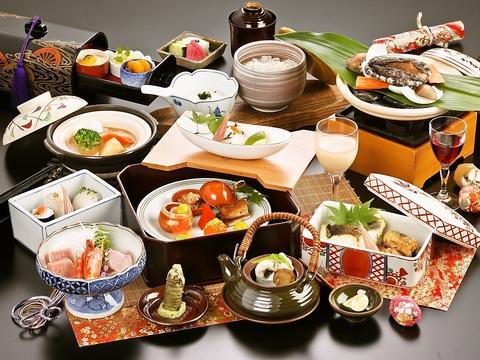 上質な旬の素材をふんだんに取り入れた美しい料理の数々。