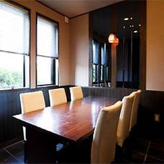 女子会、仲良し友達とのランチやディナー、仕事仲間との気軽な飲み会などにご利用頂けます。ちょっとした個室感覚でゆっくりお食事やお酒を楽しんで。