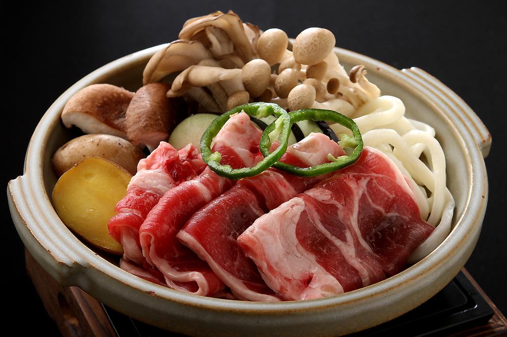 北海道ご当地グルメが盛りだくさん!ジンギスカン、ラーメンサラダ等…絶品名物料理をご堪能あれ。