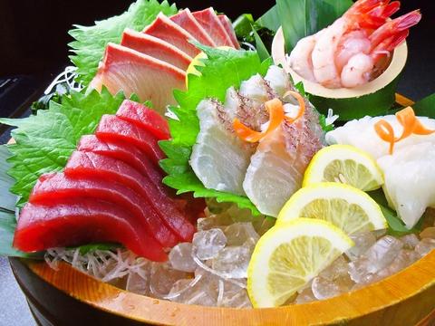 回らない寿司なのに安くて、うまい!宴会、プライベートで気軽に行ける「すし亭」。