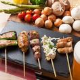 大山鶏を使ったコスパ抜群の焼き鳥、串焼きは99円(税抜)~!一押しの白レバーは絶品!その他にも絶品鶏料理が盛り沢山。