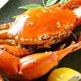 こちら幻の蟹と云われる「どうまんがに」!浜名湖名産と全国的に名高く、浜名湖で漁獲されるものは最北端で、正式名を「トゲノコギリガザミ」と言います。8、9月と短い間しか入手出来ないどうまんがにを、鮨KOH庵では一番美味しく召し上がって頂きたく思っております。