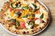 ランチタイムもやっぱり人気者。薪釜で焼く、本格Pizza