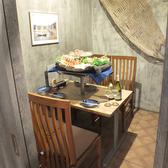 広くスペースを取った個室は他店とは違うゆったりとしたくつろぎの空間です。タイ直輸入の木製マリン系雑貨がオシャレな個室となっております。すでにカップルには大人気となっていますので、こちらのお席のご予約はお早めに!