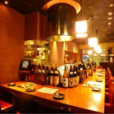 少人数様でのご宴会も大歓迎です!合コンや女子会、接待などに最適な少人数様用テーブル個室席から会社帰りの一杯やデートに最適なカウンター席まで数多くのお席をご用意致しております!清潔感のある明るい店内で美味しい和食料理と豊富な日本酒をお楽しみくださいませ!お席の空き状況やご不明な点などもお気軽にお電話下さい!