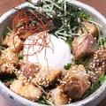 料理メニュー写真トロトロ角煮丼~温卵のせ~