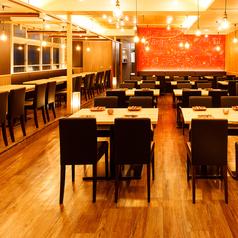 肉バル&シカゴピザ MAISON NEWYORK KITCHEN 肉 BISTRO 小倉店の雰囲気1