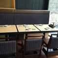 テーブル席は2~12名様まで対応可能なので、幅広い人数様にお使いいただけるお席です。お買い物帰りのお食事やお仕事仲間との飲み会などに適しています。全席禁煙なので煙草の煙が苦手な方でも安心してご利用いただけます♪この機会にぜひお立ち寄りください。